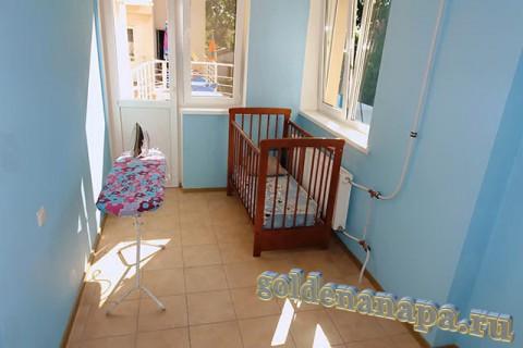 """Джемете гостевой дом """"Отдых у моря"""" детская кроватка (при необходимости)."""