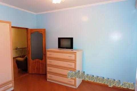 """Джемете гостевой дом """"Отдых у моря"""" трехкомнатный номер спальня."""