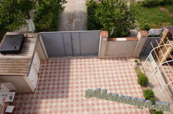 """Анапа гостевой дом """"Даниэлла"""" Вид на территорию с верхних этажей"""