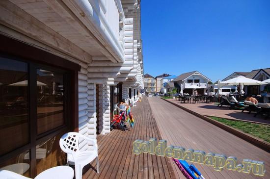 """Джемете отель """"Белый пляж"""" вид на территорию отеля"""