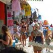Пляж Джемете вход с Джеметинского проезда торгвля сувенирами, товарами для курорта