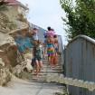 Анапа галечный пляж. Спуск к пляжу вблизи ул. Тургенева.